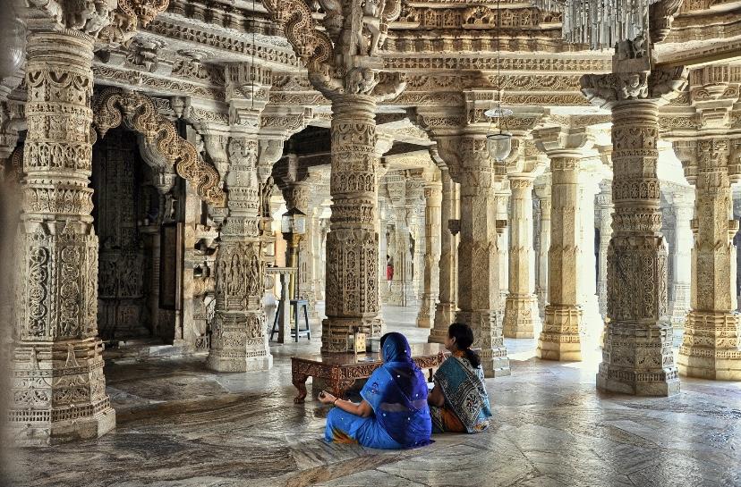 Serene environment inside Ranakpur Jain temple