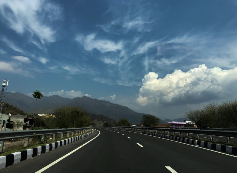 Road from The City beautiful to Mussoorie(1)