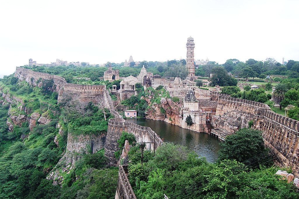 Discover these 10 stunning Forts in Rajasthan(1)